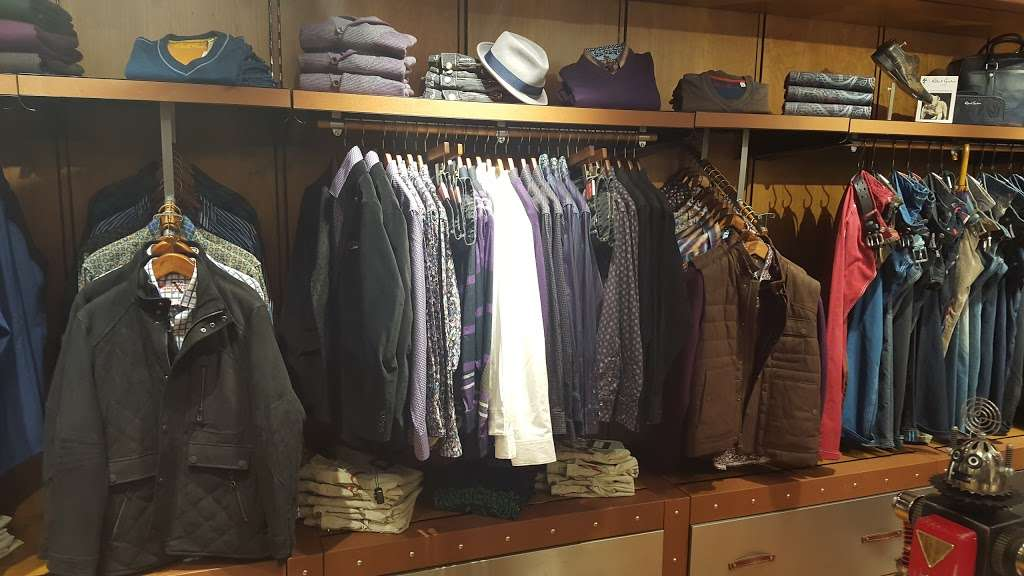 Robert Graham - clothing store  | Photo 5 of 10 | Address: 10 Columbus Cir, New York, NY 10019, USA | Phone: (212) 956-3251