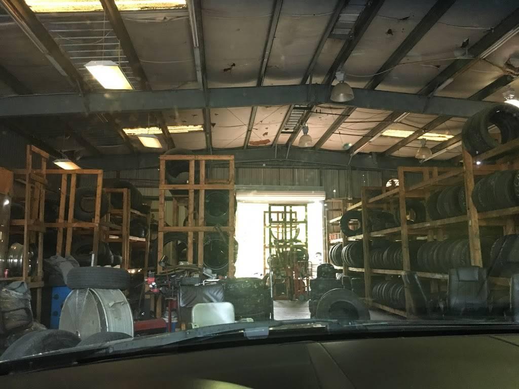 Carolyns Tires - car repair  | Photo 4 of 7 | Address: 744 Forestdale Blvd, Birmingham, AL 35214, USA | Phone: (205) 791-0204