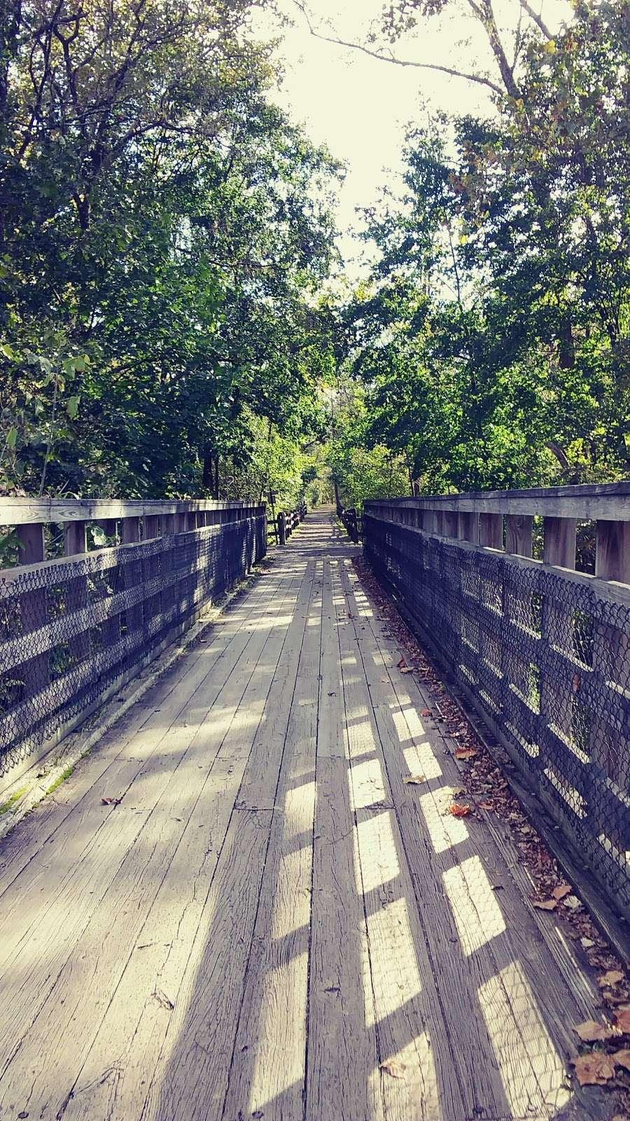 Perkiomen Trail Crusher Road Parking Area - park  | Photo 6 of 10 | Address: Perkiomen Trail, Perkiomenville, PA 18074, USA | Phone: (610) 278-3000