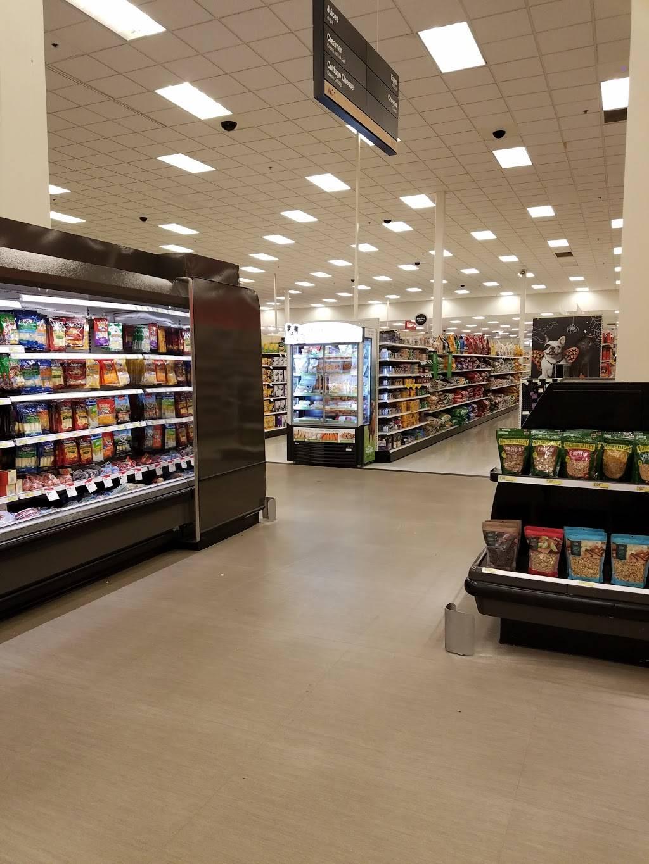 Target - department store  | Photo 8 of 9 | Address: 1600 W Arbrook Blvd, Arlington, TX 76015, USA | Phone: (817) 557-2177
