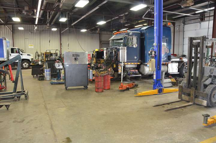 I-70 Wrecker Service & Garage - car repair  | Photo 1 of 10 | Address: 8769 IN-67, Camby, IN 46113, USA | Phone: (317) 834-4700
