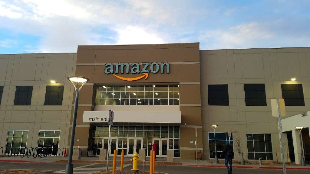 Amazon DEN2 - storage  | Photo 2 of 10 | Address: 22205 E 19th Ave, Aurora, CO 80019, USA | Phone: (855) 574-2041