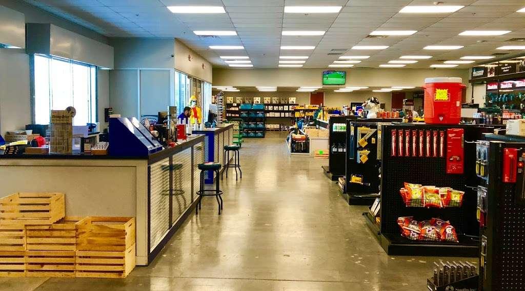 soutrhern Carlson fastening Packaging Service - hardware store  | Photo 4 of 10 | Address: 4150 N Sam Houston Pkwy E #150, Houston, TX 77032, USA | Phone: (281) 219-2631