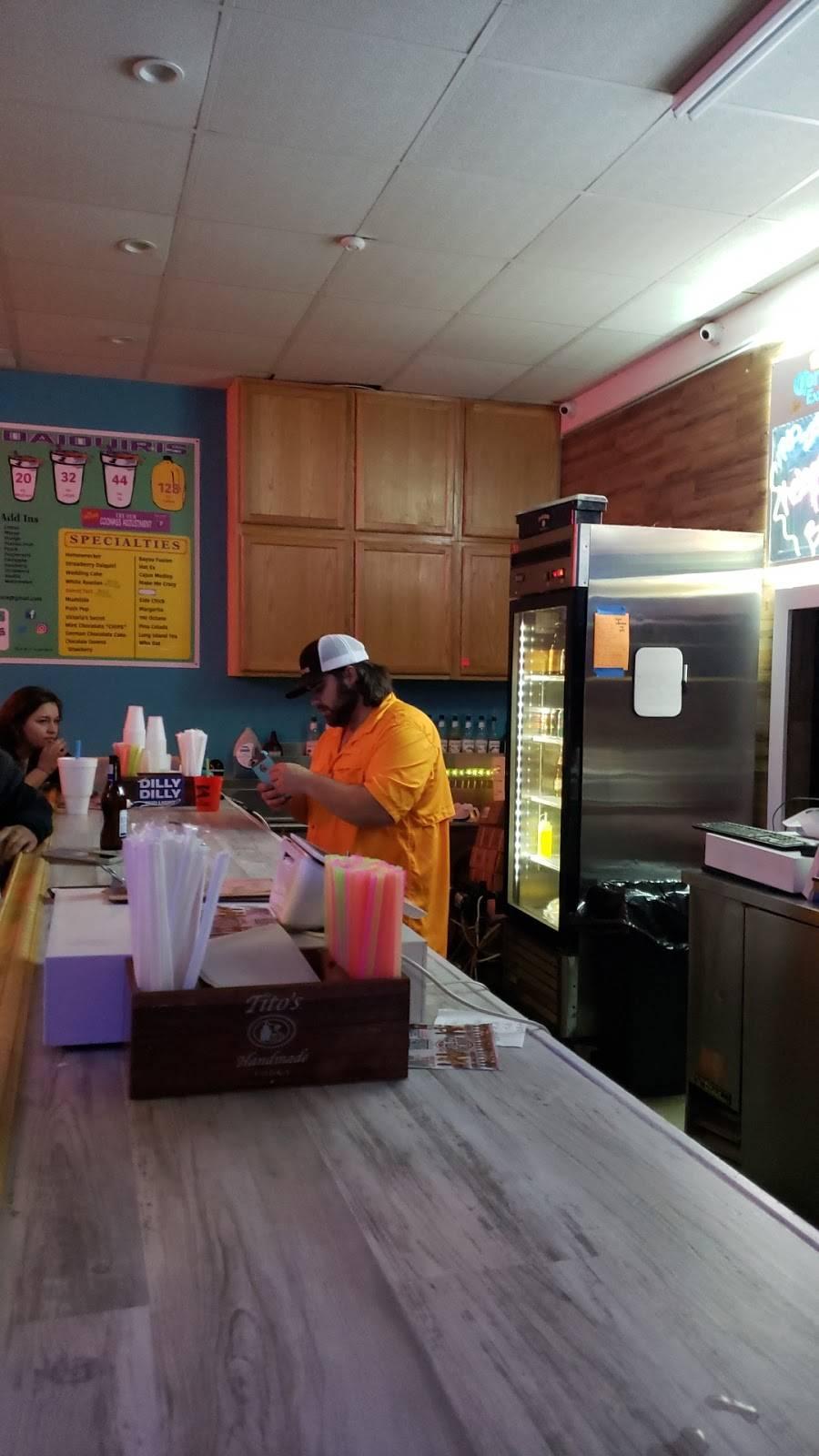 Chips Daiquiris - night club  | Photo 9 of 10 | Address: 38501 State Hwy 42 # D, Prairieville, LA 70769, USA | Phone: (225) 673-6300