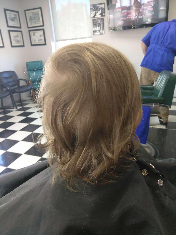 South End Barber Shop - hair care  | Photo 1 of 10 | Address: 404 N Main St, China Grove, NC 28023, USA | Phone: (704) 857-1891