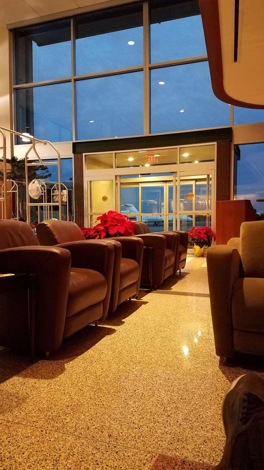 Meridian - airport  | Photo 6 of 10 | Address: 485 Industrial Ave, Teterboro, NJ 07608, USA | Phone: (201) 288-5040