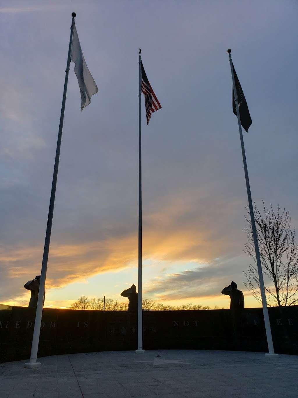 Seekonk Veterans Memorial Park - park    Photo 2 of 3   Address: 372 Newman Ave, Seekonk, MA 02771, USA