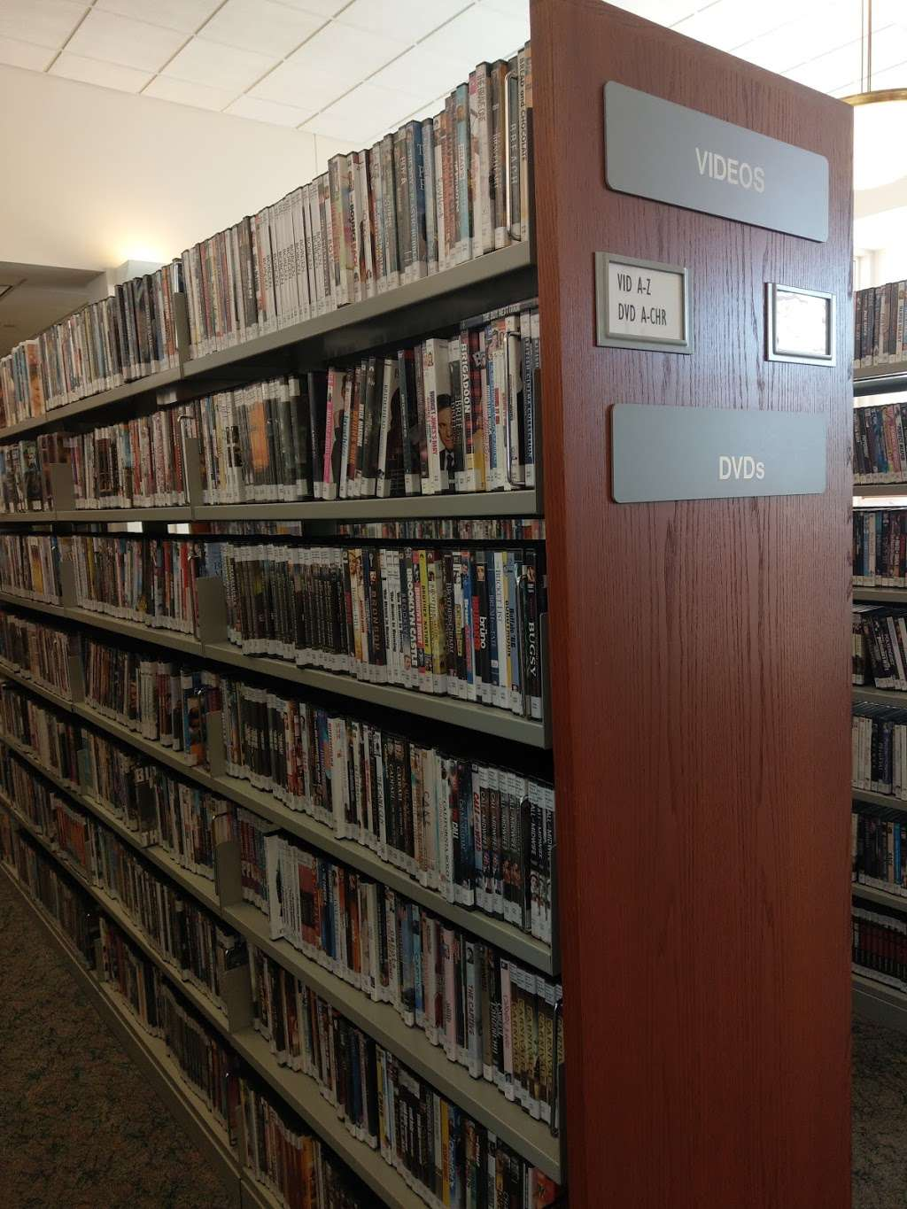 Leach Public Library - library  | Photo 10 of 10 | Address: 276 Mammoth Rd, Londonderry, NH 03053, USA | Phone: (603) 432-1132