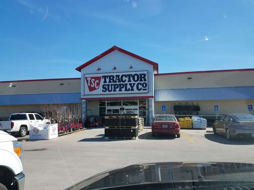 Tractor Supply Co. - hardware store  | Photo 1 of 10 | Address: 18567 Buddy Riley Blvd, Magnolia, TX 77354, USA | Phone: (281) 259-7158
