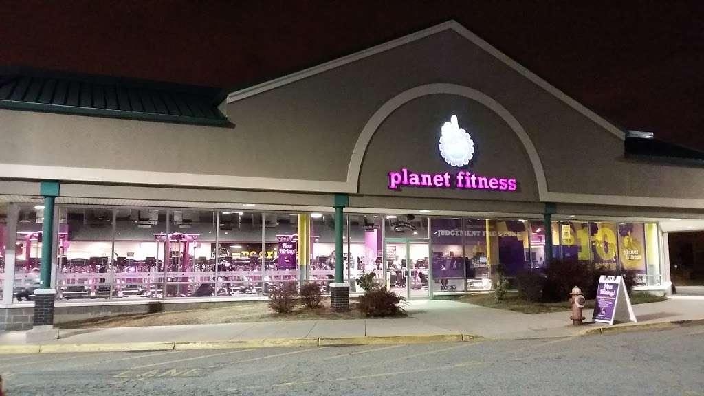Planet Fitness - gym    Photo 1 of 10   Address: 175 Avenue A, Bayonne, NJ 07002, USA   Phone: (201) 858-4444