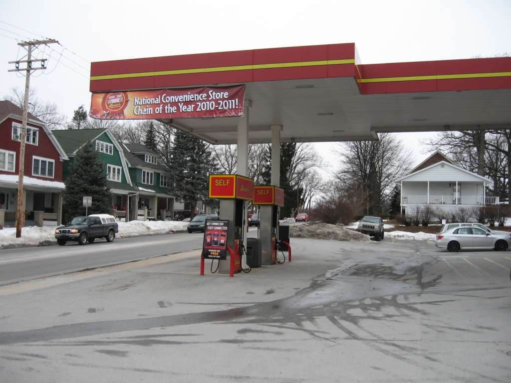 Rutters #28 - convenience store  | Photo 4 of 10 | Address: 301 N Main St, Red Lion, PA 17356, USA | Phone: (717) 244-9589