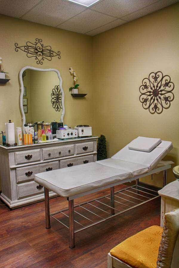 Salons By JC - hair care    Photo 8 of 10   Address: 3865 Wilson Blvd, Arlington, VA 22203, USA   Phone: (703) 282-2178