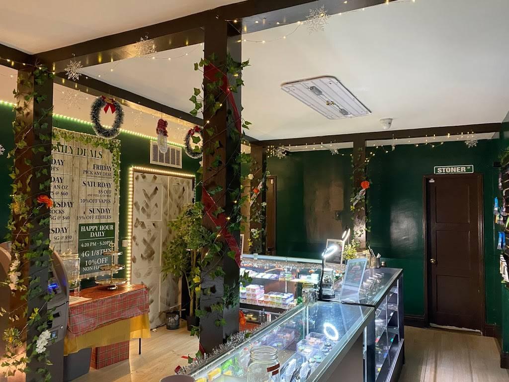 Essential Greens Cannabis Dispensary - pharmacy  | Photo 4 of 8 | Address: 6455 Whittier Blvd, East Los Angeles, CA 90022, USA | Phone: (323) 895-5899