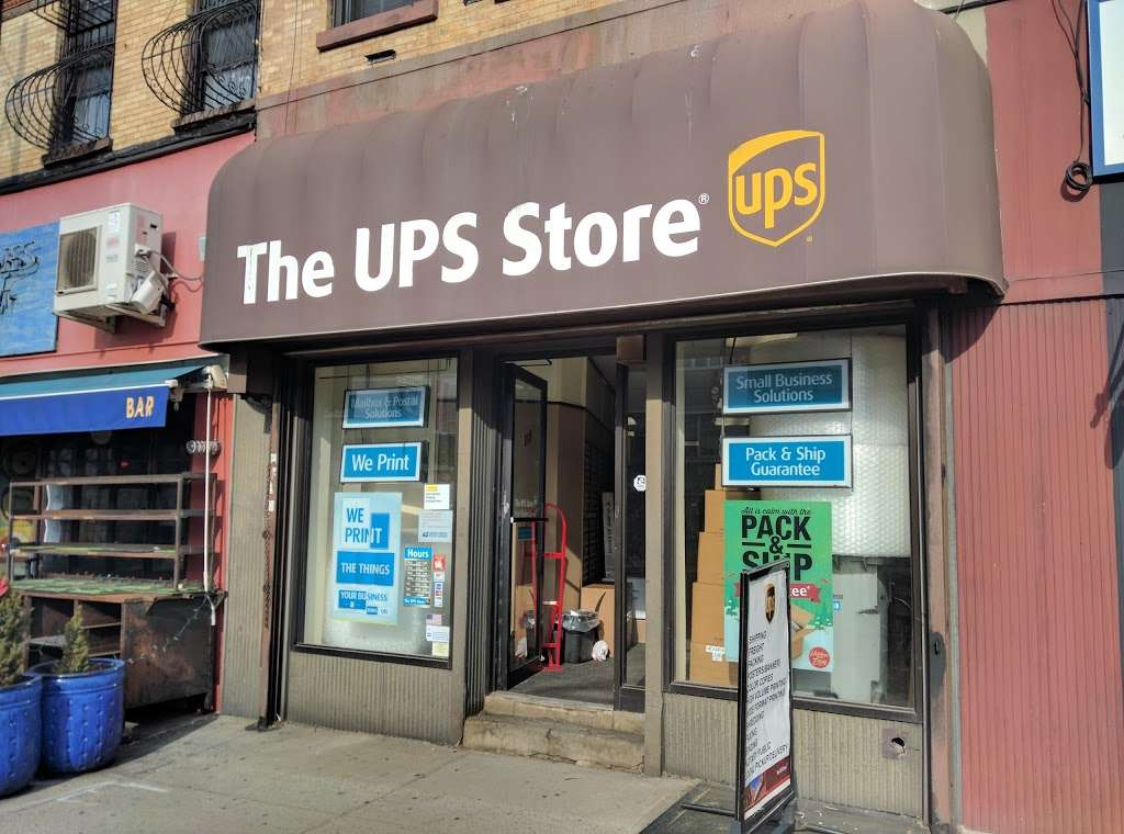 The UPS Store - store  | Photo 3 of 10 | Address: 315 Flatbush Ave, Brooklyn, NY 11217, USA | Phone: (718) 701-5294