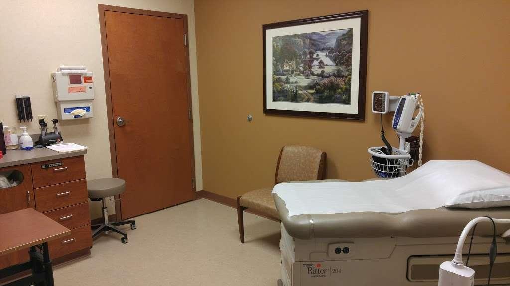 WellSpan Family Medicine - Aspers - doctor  | Photo 4 of 6 | Address: 2060 Carlisle Rd, Aspers, PA 17304, USA | Phone: (717) 339-2585