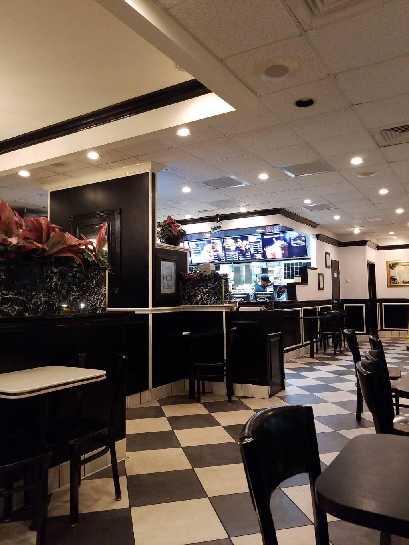 McDonalds - cafe  | Photo 7 of 10 | Address: 4450 Gus Thomasson Rd, Mesquite, TX 75150, USA | Phone: (972) 681-0854