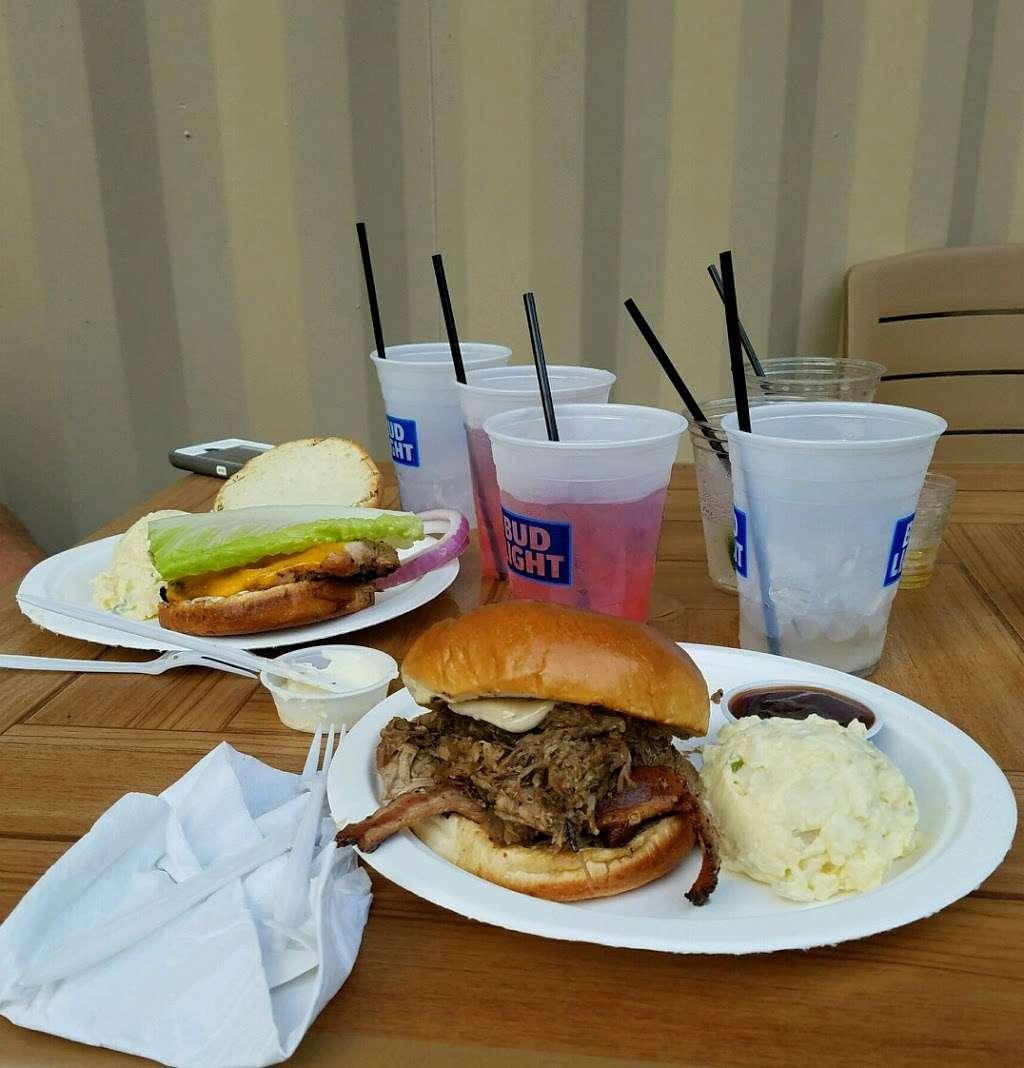 Island Party Hut - restaurant  | Photo 4 of 10 | Address: 355 Chicago Riverwalk, Chicago, IL 60601, USA | Phone: (312) 600-0488