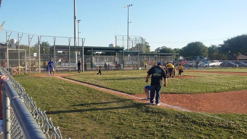 Ben Briar Park - park  | Photo 3 of 10 | Address: 1115 Bennett Dr, Pasadena, TX 77503, USA | Phone: (713) 475-7048
