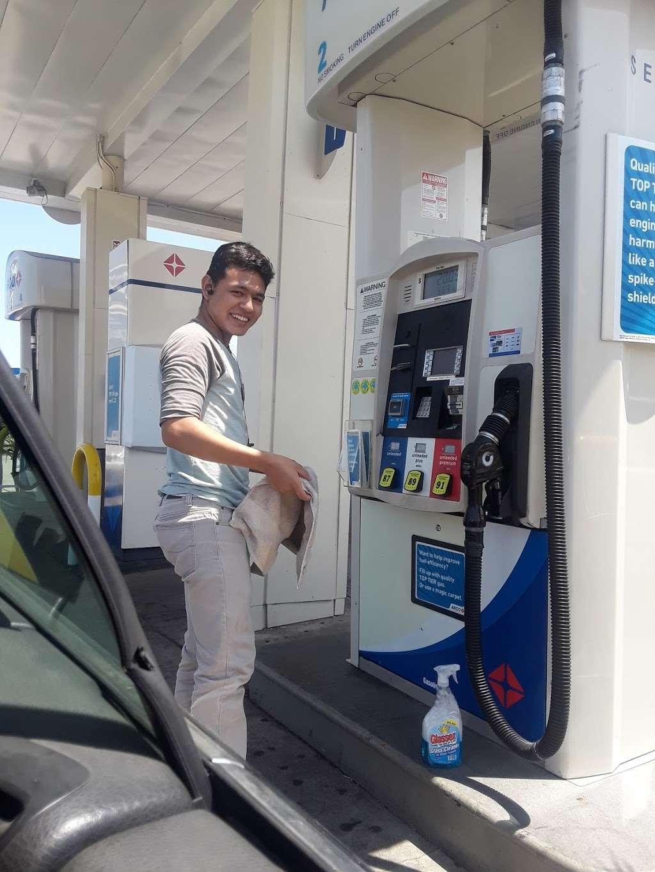 ARCO - gas station    Photo 6 of 10   Address: 124 W Pacific Coast Hwy, Long Beach, CA 90806, USA   Phone: (562) 599-8494