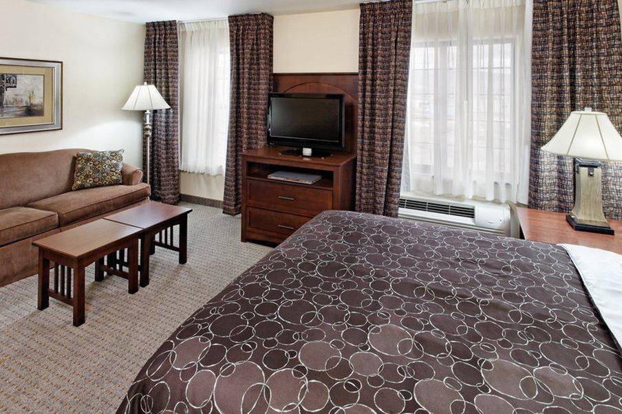 Staybridge Suites Lincoln I-80 - lodging  | Photo 6 of 9 | Address: 2701 Fletcher Ave, Lincoln, NE 68504, USA | Phone: (402) 438-7829