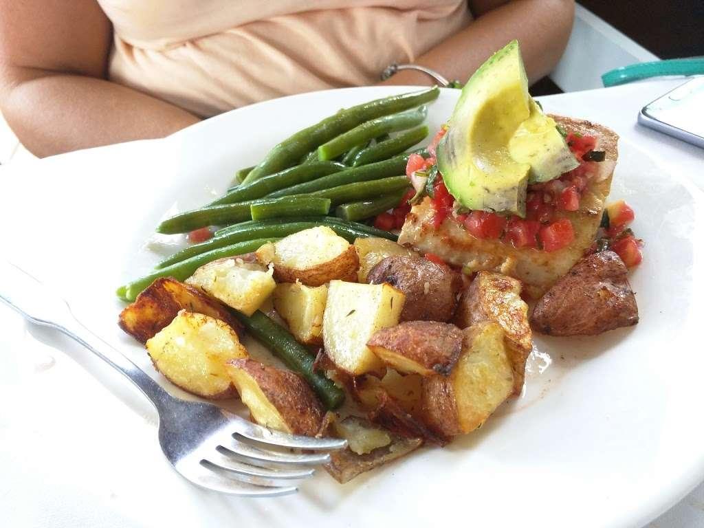 Tuckahoe Inn - cafe    Photo 4 of 10   Address: 1 Harbor Rd, Marmora, NJ 08223, USA   Phone: (609) 390-3322