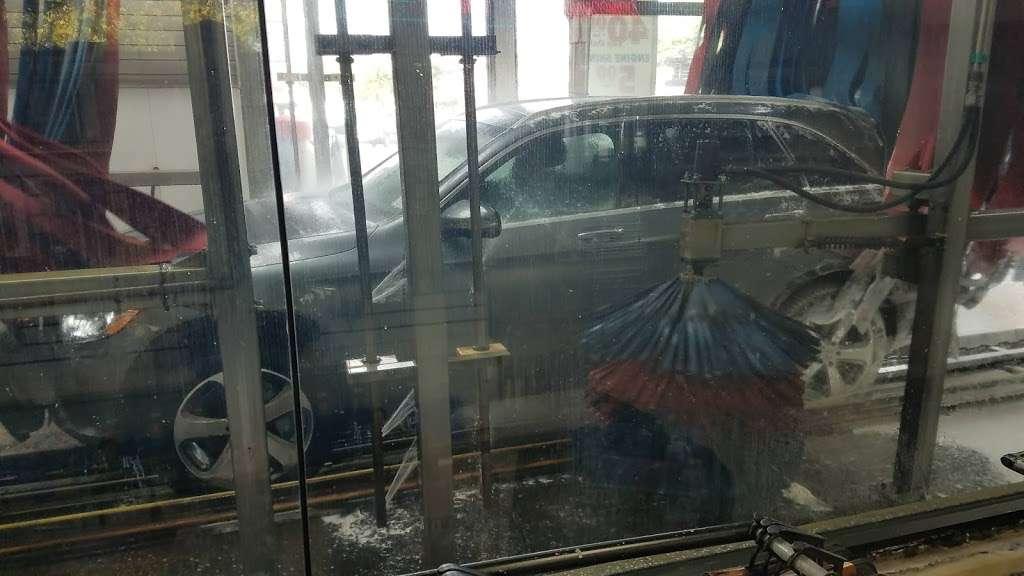 USA CAR WASH - Car Wash - Car detailing - Oil Change - Tire Repa - car wash  | Photo 5 of 10 | Address: 212-12 Jamaica Ave, Queens Village, NY 11428, USA | Phone: (718) 465-4551