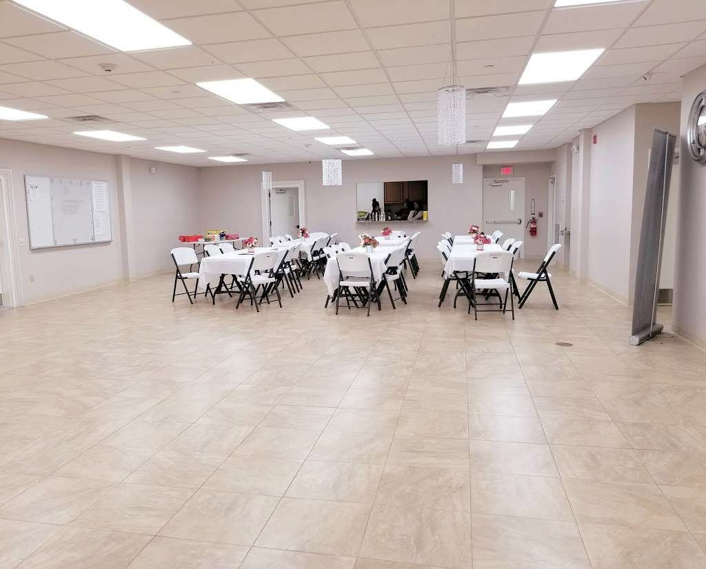 IGLESIA PENTECOSTAL RÍOS DE AGUA VIVA - LIVING WATERS PENTECOSTA - church  | Photo 1 of 10 | Address: 49 N Main St, Windsor, NJ 08561, USA | Phone: (609) 371-2659