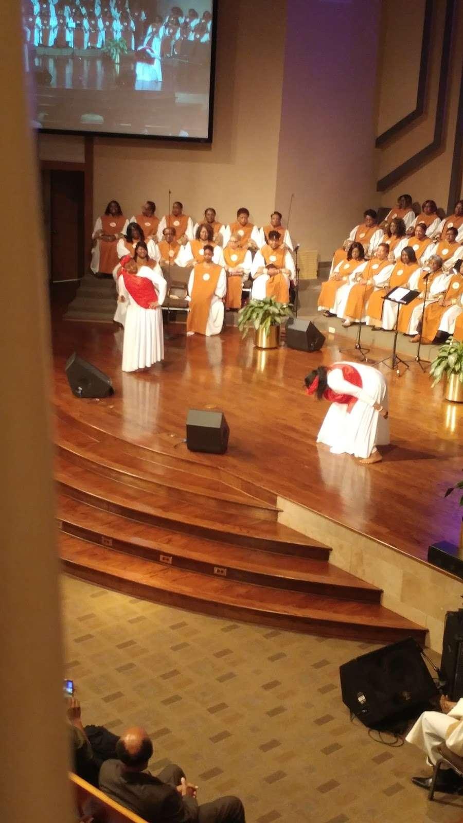 The Church Without Walls - Eldridge - church  | Photo 4 of 10 | Address: 7500 Eldridge Pkwy, Houston, TX 77083, USA | Phone: (281) 649-6800