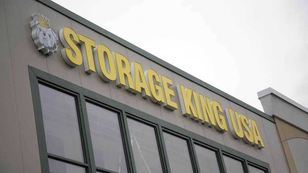 Storage King USA - moving company  | Photo 1 of 10 | Address: 1339 Belcamp Rd, Belcamp, MD 21017, USA | Phone: (410) 272-7272