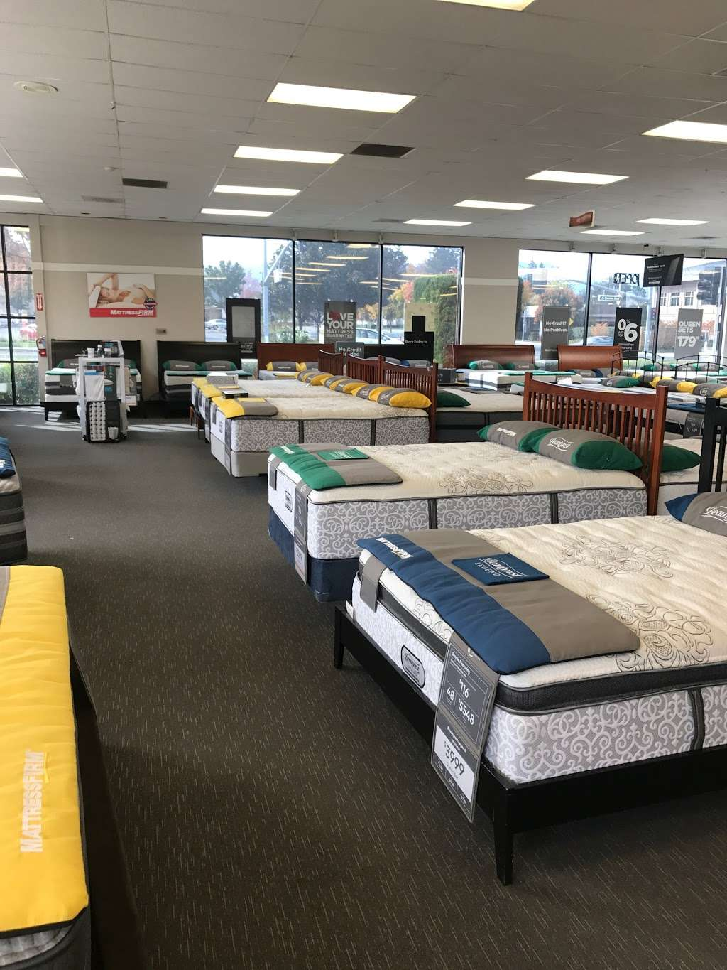 Mattress Firm Mountain View - furniture store  | Photo 7 of 10 | Address: 804 E El Camino Real, Mountain View, CA 94040, USA | Phone: (650) 694-7339