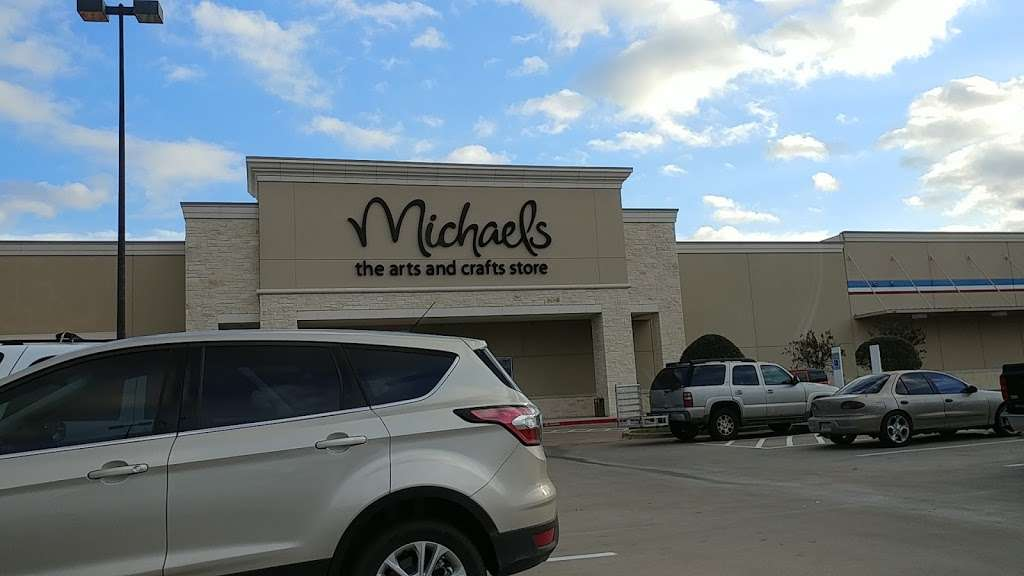 Michaels - store  | Photo 4 of 10 | Address: 23701 Brazos Town Crossing, Rosenberg, TX 77469, USA | Phone: (832) 595-8011