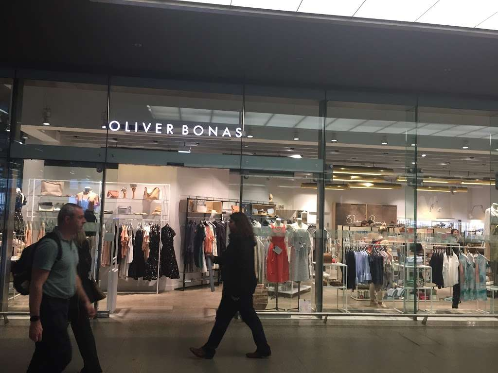 Oliver Bonas - clothing store  | Photo 7 of 10 | Address: Unit 16a, St Pancras Station, Euston Rd, Kings Cross, London N1C 4QP, UK | Phone: 020 7837 5161