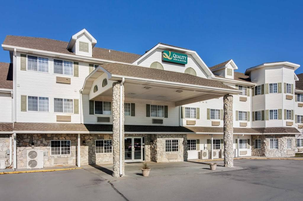 Quality Inn & Suites - lodging  | Photo 7 of 10 | Address: 7333 Husker Cir, Lincoln, NE 68504, USA | Phone: (402) 817-7807
