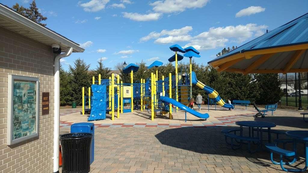 Plainedge Park - park  | Photo 1 of 10 | Address: 313 N Idaho Ave, North Massapequa, NY 11758, USA