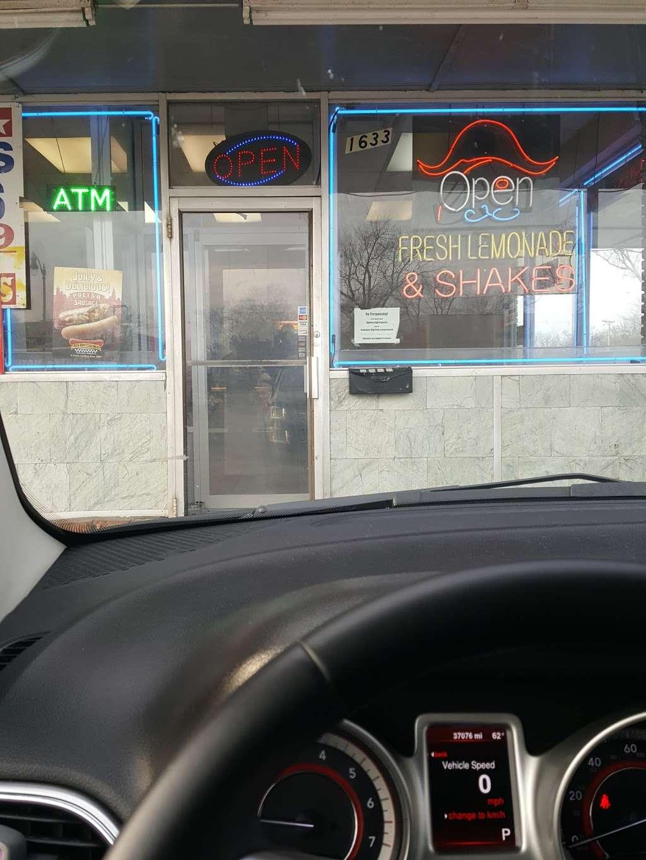 Captain Fresh Fish & Chicken - restaurant    Photo 3 of 10   Address: 1633 E Court St, Kankakee, IL 60901, USA   Phone: (815) 933-8422