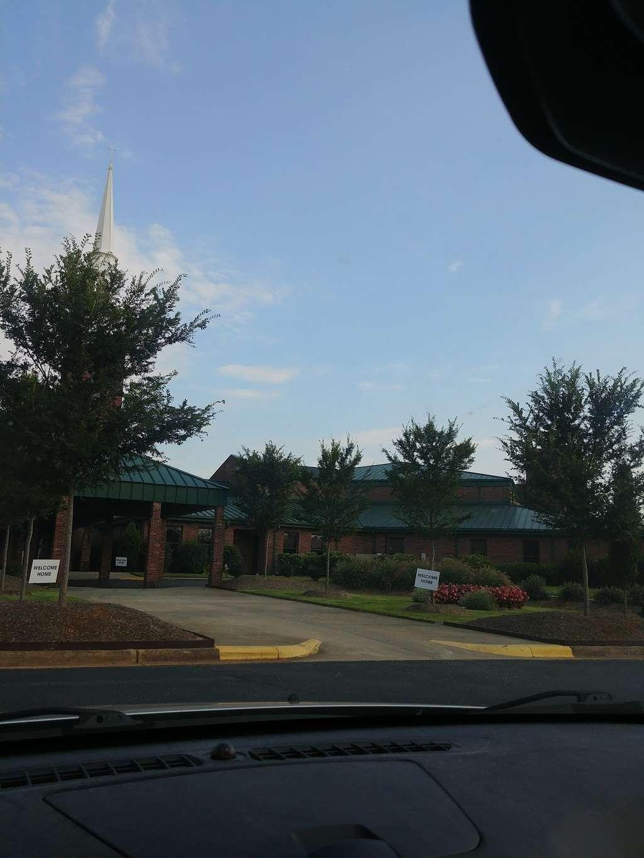Christ Church - Mt. View - church  | Photo 8 of 10 | Address: 2416 Zion Church Rd, Hickory, NC 28602, USA | Phone: (828) 294-6858
