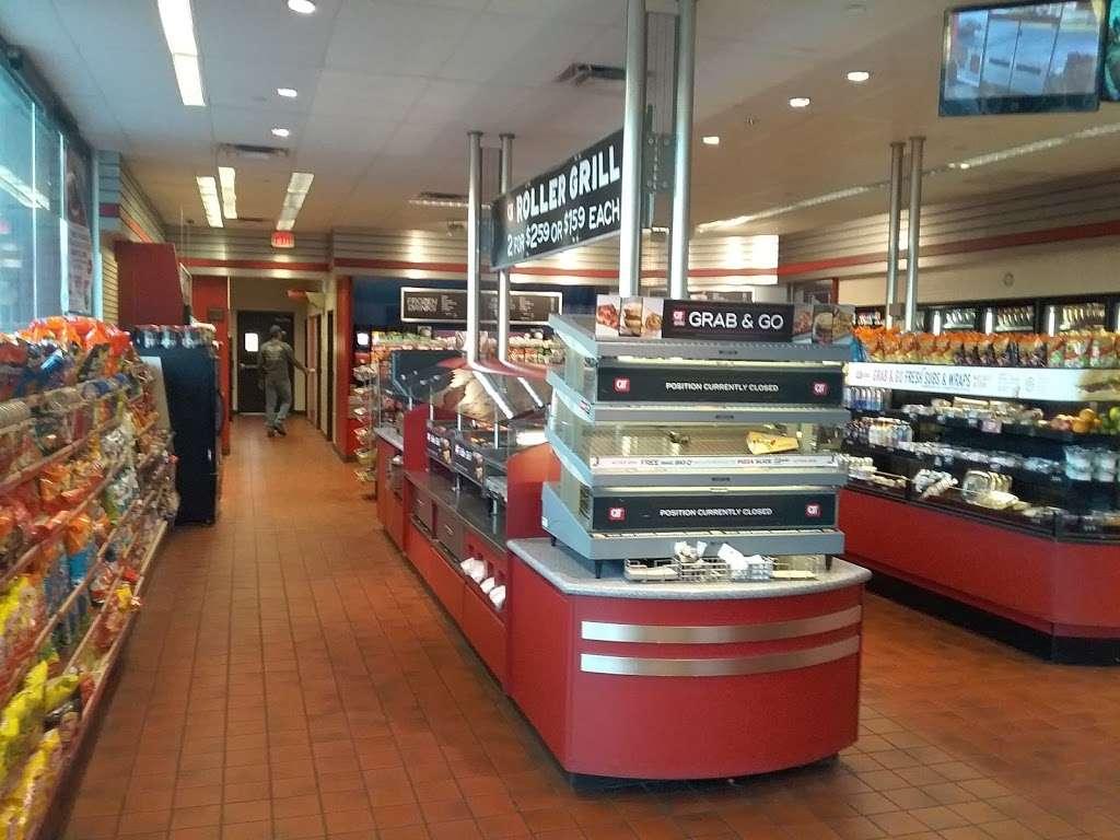 QuikTrip - gas station  | Photo 8 of 10 | Address: 2009 W Glendale Ave, Phoenix, AZ 85021, USA | Phone: (602) 841-7032