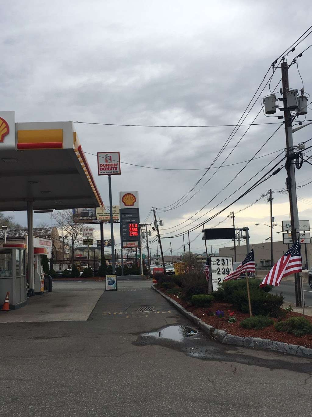 Shell - gas station  | Photo 6 of 10 | Address: 1810 Tonnelle Ave, North Bergen, NJ 07047, USA | Phone: (201) 271-0905