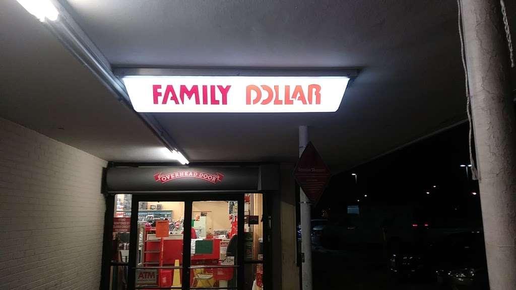 Family Dollar - supermarket  | Photo 10 of 10 | Address: 6611 Marlboro Pike, District Heights, MD 20747, USA | Phone: (301) 736-8300