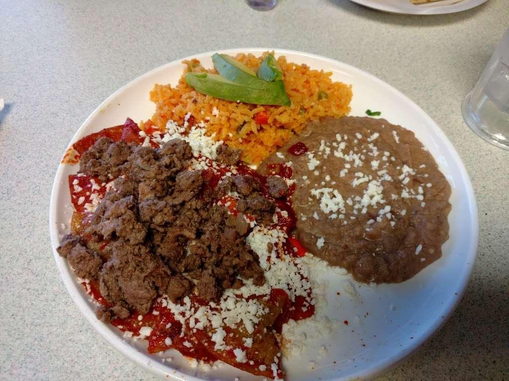 El Pueblo Mexican restaurant - restaurant  | Photo 6 of 10 | Address: 7124 Aloma Ave, Winter Park, FL 32792, USA | Phone: (407) 677-5534