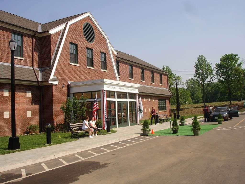 Greenbelt Recreation Center - gym  | Photo 1 of 10 | Address: 501 Brielle Ave, Staten Island, NY 10314, USA | Phone: (718) 667-3545