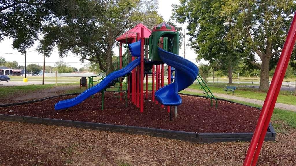 Mustang Park - park  | Photo 2 of 10 | Address: 4521 FM 521 Rd, Fresno, TX 77545, USA