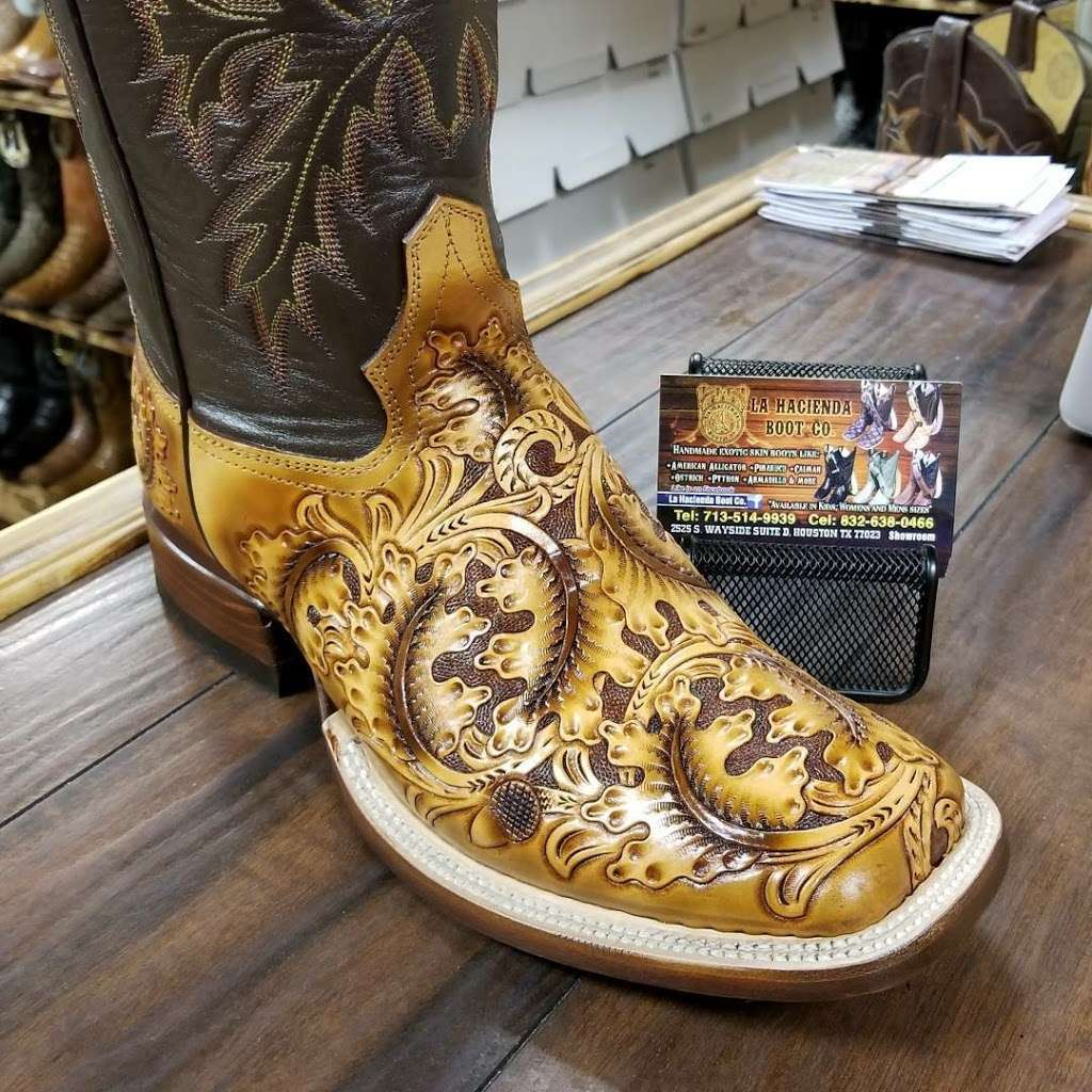 LA HACIENDA BOOT CO. - shoe store  | Photo 5 of 10 | Address: 2525 S Wayside Dr, Houston, TX 77023, USA | Phone: (713) 514-9939