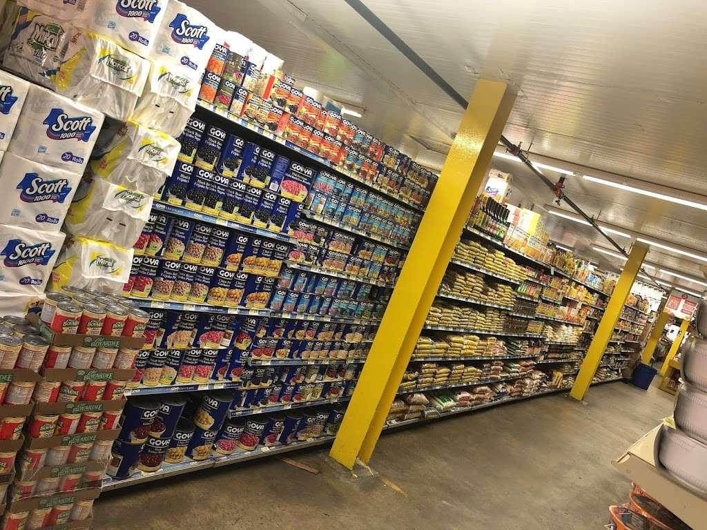 El Mercado De La Ocho - supermarket    Photo 7 of 10   Address: 100 8th St, Passaic, NJ 07055, USA   Phone: (973) 470-8737