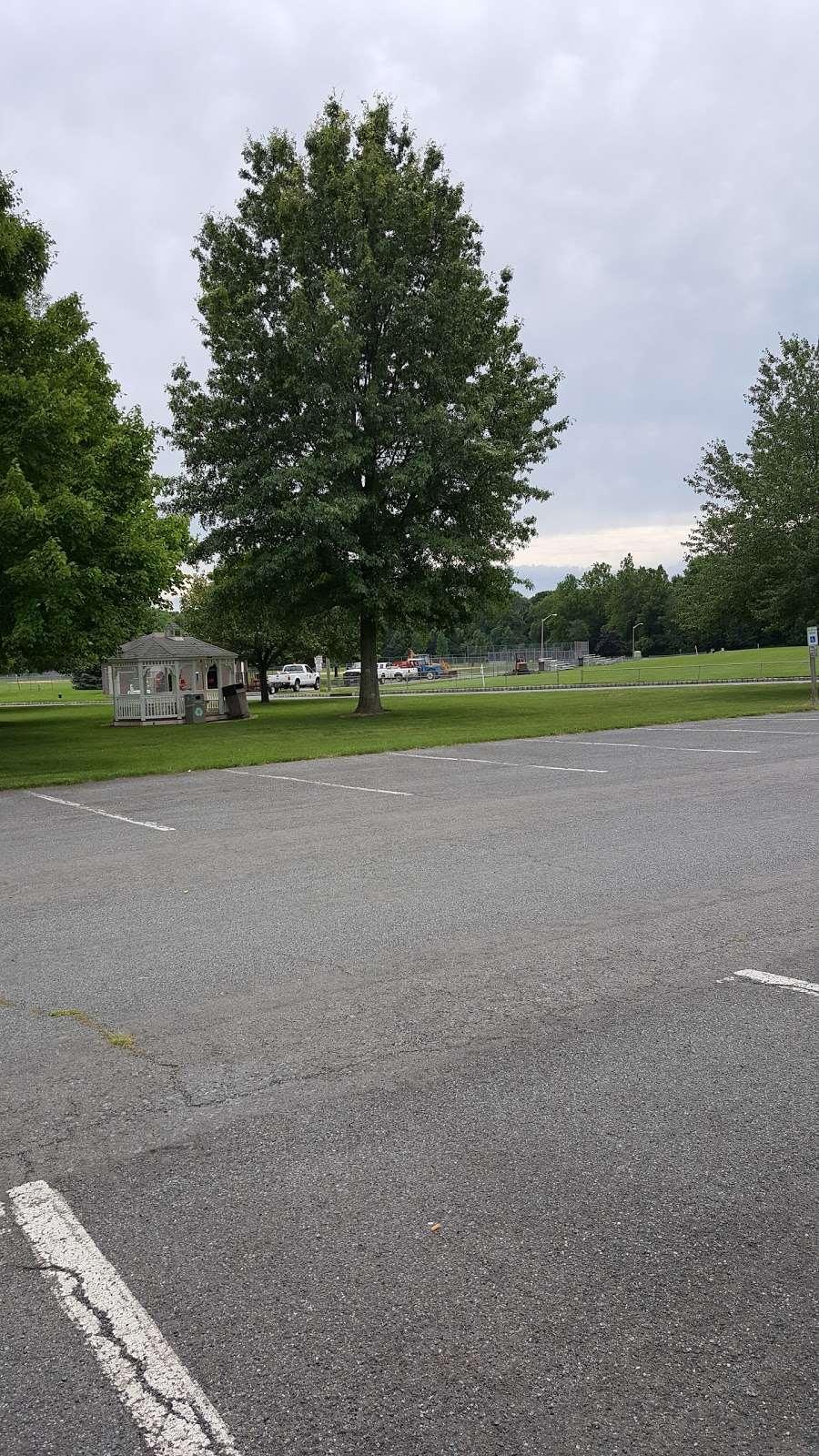 Lenape Park - park    Photo 10 of 10   Address: Flemington, NJ 08822, USA   Phone: (908) 806-6100