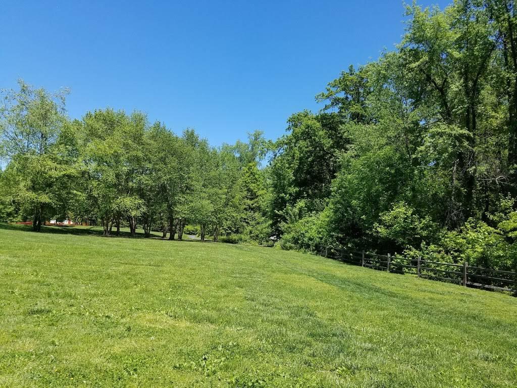 Blackburn Park - park  | Photo 8 of 10 | Address: Edgar Rd, Webster Groves, MO 63119, USA | Phone: (314) 963-5600