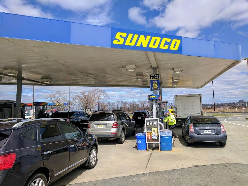 Sunoco - gas station  | Photo 8 of 10 | Address: 166 NJ Tpke, Ridgefield, NJ 07657, USA | Phone: (201) 945-8991