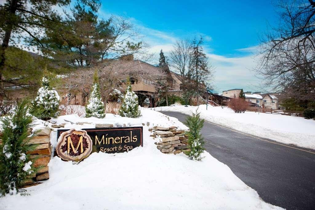 Minerals Hotel - lodging    Photo 8 of 10   Address: 2 Chamonix Dr, Vernon Township, NJ 07462, USA   Phone: (844) 237-1115