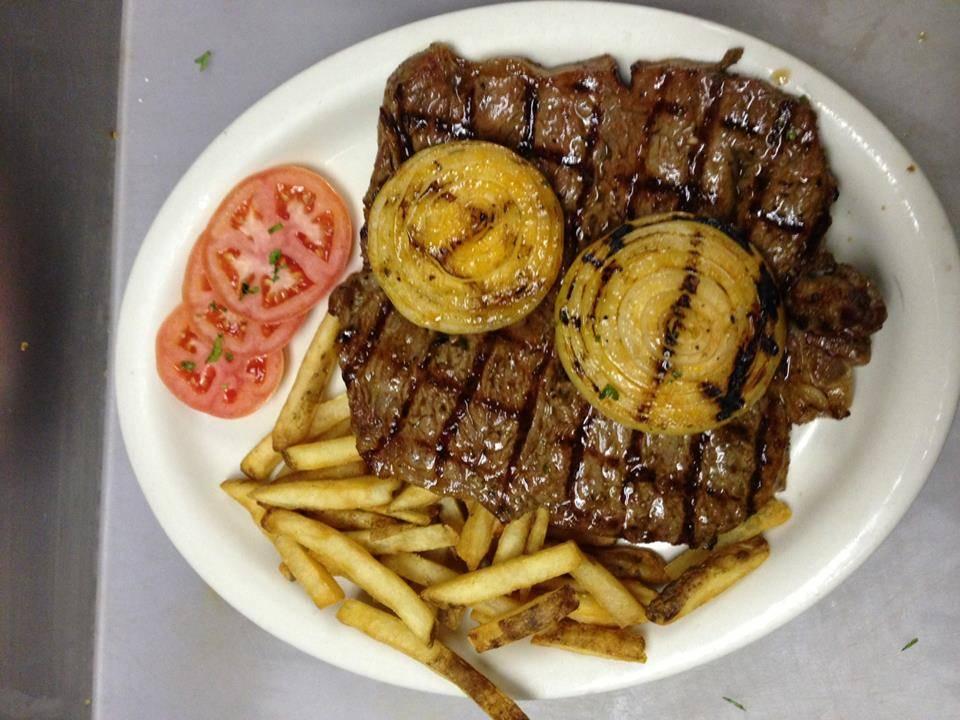 Victors Grill Churrasqueria - restaurant  | Photo 2 of 7 | Address: 7634 Lee Hwy., Falls Church, VA 22042, USA | Phone: (703) 573-4161