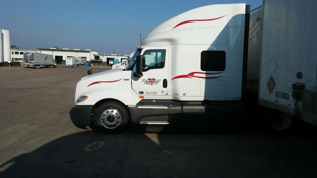 Heartland Express Inc - moving company  | Photo 6 of 10 | Address: 215 Environmental Way, Seagoville, TX 75159, USA | Phone: (866) 284-5605